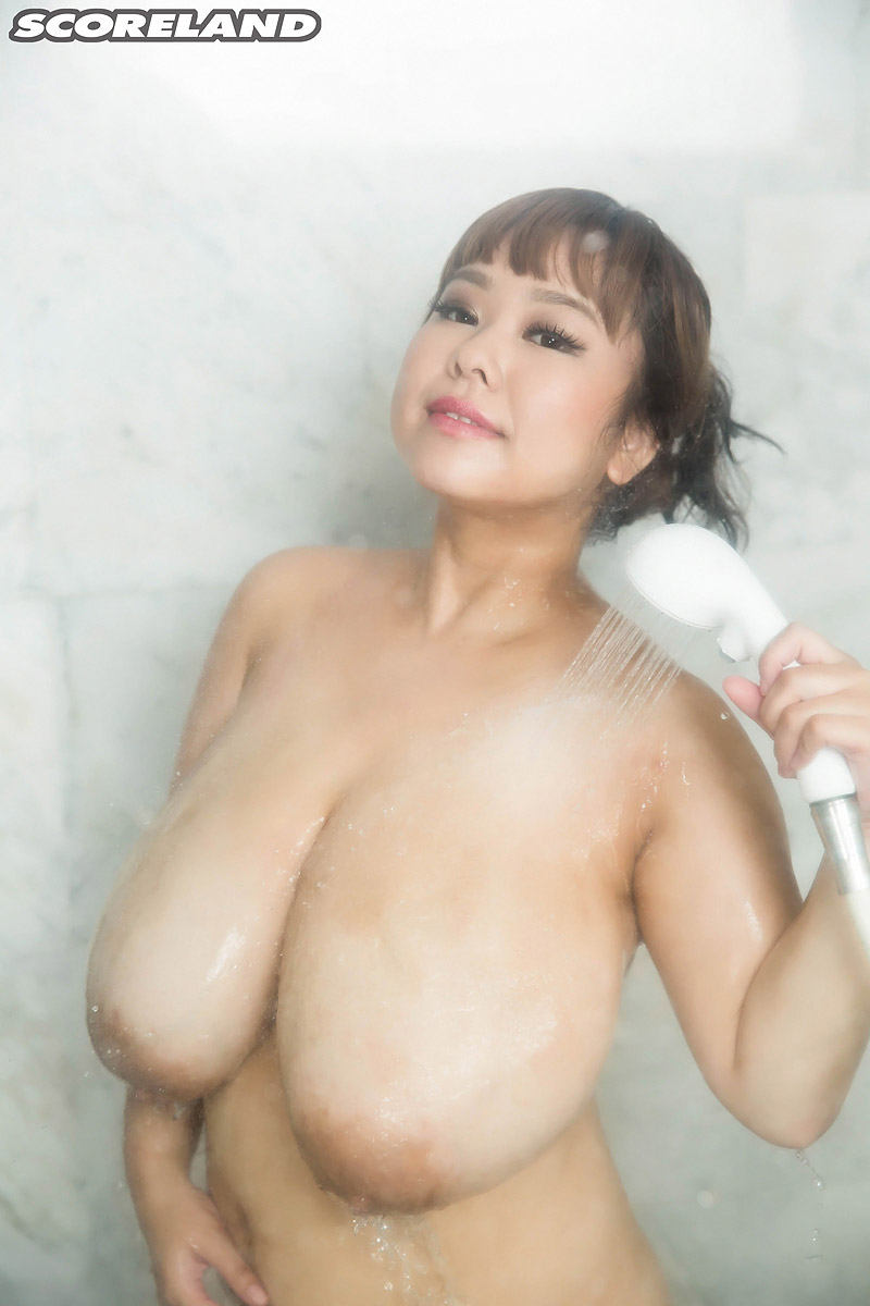p-chan huge japanese tits gallery – mybigtitsbabes